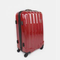 Červený cestovný kufor plastový malý