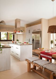 Cocina  Mobiliario, diseño de Jeannette Trensig y encimera de Silestone.
