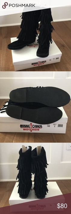 Minnetonka moccasin black 3 layer fringe  NWT 8 Brand new in box Minnetonka Shoes Moccasins