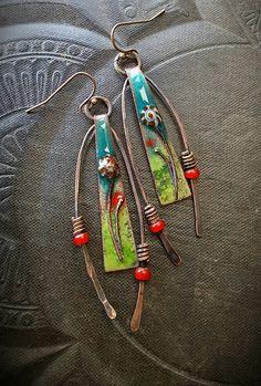 Encantos de esmaltado esmaltados pendientes flores alambre