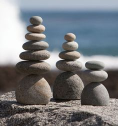 Natural River Rock Cairn Stone Stacked Zen Garden Decoration Stone Set of 3 Family Sculpture, Rock Sculpture, Stone Sculptures, Beach Rocks, Beach Stones, Stone Balancing, Stone Cairns, Balance Art, Balance Quotes