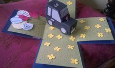 Mit Liebe gemacht von Petra Heinrich. Explosion Box zum 60. Geburtstag. Weitere Fotos s. in Pinterest unter Petras Explosion Box.Innenansicht.  Die Stanze der Blütenblätter ist von Stampin up Itty Bitty, die Luftballonstanze ist ebenfalls von Stampin Up. Das Auto besteht aus 2 Boxen, die ich mit dem Envelope Punch Board von Stampin Up gemacht habe. Hier gibt es eine gute Beschreibung für Boxen in allen Größen: von The Crafty Owl  https://www.youtube.com/watch?v=8hEeBQ-tLKM.
