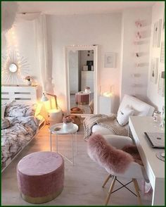 Girl Room Decor Ideas - How can I make my bedroom look more expensive? Girl Room Decor Ideas - How can I decorate my bedroom for cheap? Small Room Bedroom, Room Decor Bedroom, Home Bedroom, Bedroom Ideas, Girls Bedroom, Teen Girl Rooms, Bedroom Inspiration, Décor Room, Bedroom Furniture