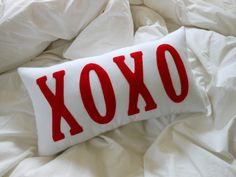 XOXO -Valentine Pillow / Red and White Letter Pillow
