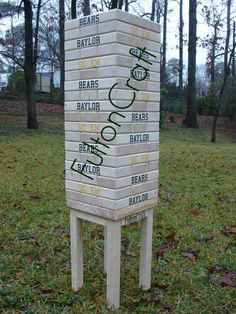 Giant Baylor Bears Jenga-style game // This would be a huge hit at Baylor parties and tailgates! #SicEm
