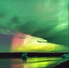 Incredible Photo of Aurora Borealis Over Iceland