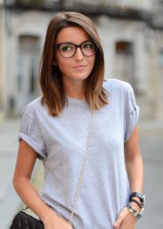 Comfy, laid-back look with round eyeglasses