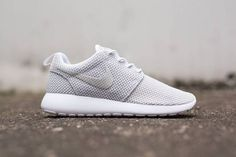 "Womens Nike Roshe Run ""Metallic Platinum"" VERY RARE DONT ZZZ | Kixify Marketplace"