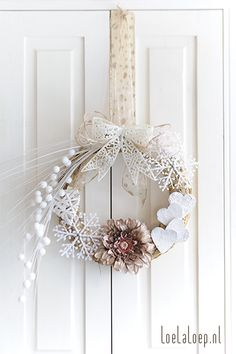 DIY Christmas Wreath 2012 - with hearts and snowflakes #craft #decore #decoration