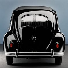 """This classic Volkswagen Beetle from 1953 was nicknamed after a bakery product. Because of the shape of its split rear windows, this model is also known was the """"Pretzel Beetle""""."""