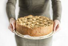 Heerlijke appeltaart op basis van speltbloem. Zonder geraffineerde suikers. Past hierdoor goed binnen een normaal voedingspatroon.