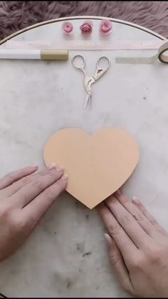 diy videos crafts - The Effective Pictures We Offer You About diy home decor A quality picture can tell you many thing - Cool Paper Crafts, Diy Crafts For Gifts, Creative Crafts, Diy Paper, Diy Gifts Love, Valentines Bricolage, Valentines Diy, Diy Gifts Videos, Diy Videos