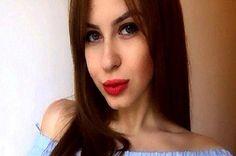 Covesia.com - Ariana (20), melelang keperawanannya secara online dengan Harga 130 poundsterling atau Rp2,1 miliar. Gadis cantik asal Rusia tersebut mengaku...