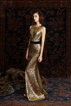 See the complete Pamella Roland Pre-Fall 2016 collection.