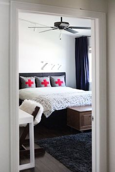 love the Zzz...  An Unexpectedly Chic Super Mario Bros Tween Room — My Room | Apartment Therapy