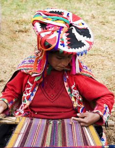 Les Yeux sans Visage: Totem: Inca Women (I collect these hats!)