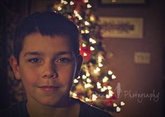 How to Make Shaped Bokeh. Holiday Photography Tutorial by I Heart Faces. Bokeh Photography, Hobby Photography, Christmas Photography, Photography Lessons, Photography Tutorials, Children Photography, Bokeh Tutorial, Photoshop Tutorial, Photo Tips