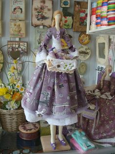 Doll Crafts, Sewing Crafts, Sewing Projects, Sewing Dolls, Creepy Dolls, Crafty Craft, Fabric Dolls, Pin Cushions, Art Dolls