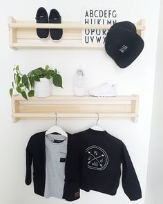 Wall organizing.