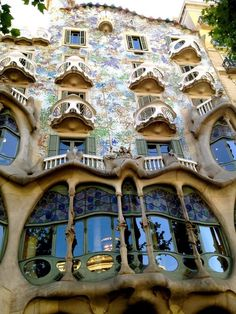 This was sooo amazing to see up close and personal......Casa Batlló, Gaudí Architecture, Barcelona