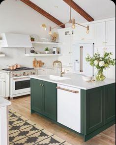 Home Interior, Kitchen Interior, New Kitchen, Kitchen Design, Kitchen Decor, Awesome Kitchen, Sink Design, Country Kitchen, Compact Kitchen