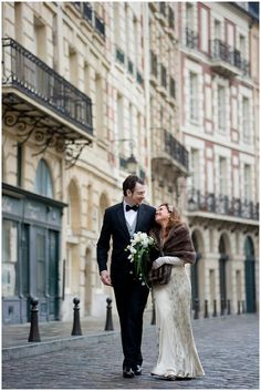 such a dreamy Art Deco wedding celebration in Paris and a gorgeous Jenny Packham dress. I'm in love.