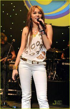 Miley Cyrus Performance, Hannah Montana, White Jeans, Fashion, Moda, Fashion Styles, Fashion Illustrations