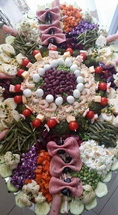 Crab Stuffed Avocado, Quinoa Sushi, Cottage Cheese Salad, Salad Menu, Moroccan Table, Seafood Salad, Tomato Vegetable, Appetizers For Party, Party Appetisers
