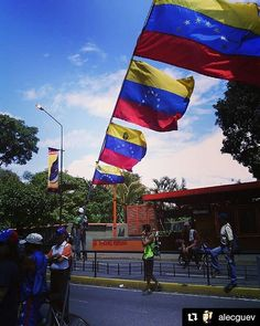 Foto de @alecguev Venezuela de todos los tamaños  Caracas 6 julio #ccs #caracas #caminacaracas