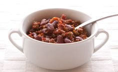 Chili is the perfect one-dish dinner for weeknights, potlucks, and those all-important game days. Great for lunches, too!Perfectly balance your plate: Serve with 1 C ml) mixed greens or steamed veggies and 1 Tbsp ml) Epicure salad dressing. Epicure Recipes, Chili Recipes, One Dish Dinners, One Pot Meals, Lunch Menu, Dinner Menu, Lunch Box Recipes, Dog Food Recipes, Free Recipes