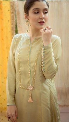 Neck Designs For Suits, Neckline Designs, Sleeves Designs For Dresses, Dress Neck Designs, Beautiful Pakistani Dresses, Pakistani Dresses Casual, Pakistani Dress Design, Fancy Dress Design, Stylish Dress Designs