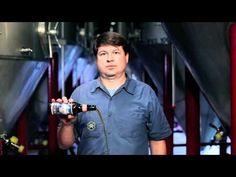 Uma camera na mão e uma cerveja na outra: exemplos de boa publicidade cervejeira