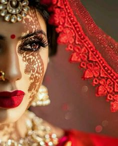 indian wedding photography and videography Bridal Poses, Wedding Poses, Bridal Portraits, Wedding Veil, Wedding Shoot, Wedding Bridesmaids, Wedding Tips, Wedding Planning, Indian Wedding Photography Poses