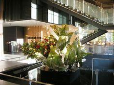 Japanese Flowers, Taipei, Ikebana, Flower Arrangements, Bamboo, Bathrooms, Table Decorations, Plants, Projects