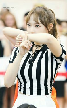 Photo album containing 16 pictures of Cheng Xiao Kim Seol Hyun, Sketch Poses, Get Skinny Legs, Cheng Xiao, Fandom, Japanese American, Cutest Thing Ever, Cosmic Girls