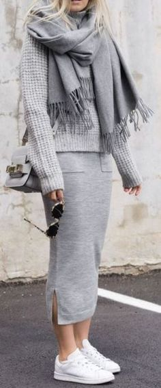 This cozy grey outfit with the white sneakers is so cute for winter - 23 Cute Winter Outfits To Copy Immediately