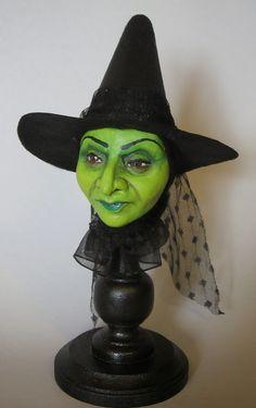 Halloween Witch Decorations, Holidays Halloween, Halloween Make Up, Halloween Crafts, Halloween Clay, Halloween Lanterns, Halloween Ornaments, Halloween Halloween, Halloween Skull