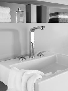 GROHE Veris 3-hole Bathroom Faucet. #bathroom #basin #faucet #mixer See more at http://www.grohe.com/us/5860/bathroom/bathroom-faucets/veris/