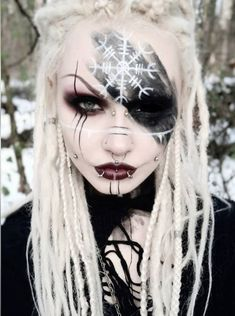 -Ægishjálmur (helm of awe) gives its wearer the ability to strike an enemy with fear and grants great magical powers. Anime Makeup, Fairy Makeup, Mermaid Makeup, Makeup Art, Gothic Makeup, Fantasy Makeup, Cosplay Makeup, Costume Makeup, Krieger Make-up