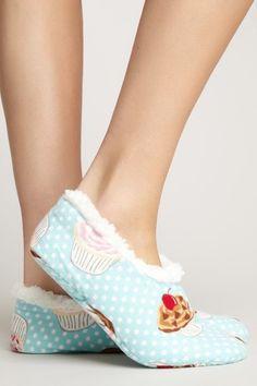 Cupcake slippers - cute + cozy