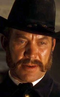 Larry Ward (actor) Ward Bond as Yankee Captain