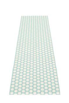 Vloerkleed Pad Mint kopen? Alleen de allerleukste Kunststof vloerkleden van de mooiste merken bij Saartje Prum. Bekijk onze collectie online of vraag