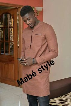 African Dresses Men, African Attire For Men, African Clothing For Men, African Shirts, Nigerian Men Fashion, African Print Fashion, Mens Fashion, African Wear Designs, Costume Africain