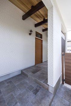 「モダンブルックリンスタイルの家」 Space Lab, Home Goods, Garage Doors, Stairs, Nice, Outdoor Decor, House, Home Decor, Stairway