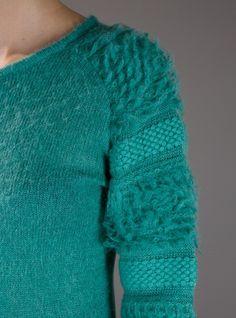 suéter azul :3