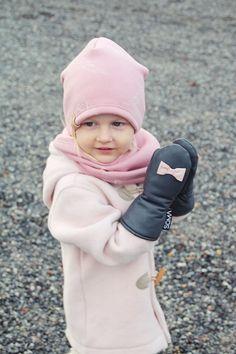 Childrens leather mittens  Gray/ Bubblegum Pink by somaoriginal