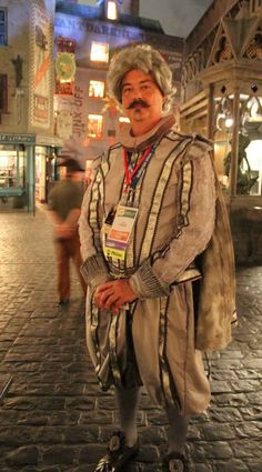 Nearly Headless Nick from Harry Potter | 36 Delightfully Geeky Cosplays From LeakyCon