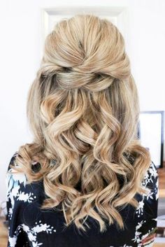 Wedding Hair Half Up Ideas ❤︎ Wedding planning ideas & inspiration. Wedding … Wedding Hair Half Up Ideas ❤︎ Wedding planning ideas & inspiration. Wedding dresses, decor, and lots more. Half Up Wedding Hair, Wedding Hairstyles Half Up Half Down, Elegant Wedding Hair, Wedding Hairstyles With Veil, Half Up Half Down Hair, Prom Hairstyles, Wedding Hair And Makeup, Down Hairstyles, Wedding Updo