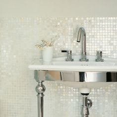 Love the paint/tile effect. Want to use mosaic in our bathroom but not sure yet how.