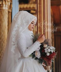 How come you think youve been ? How come you think youve been ? is # Te Hijab Makeup Models Hijabi Wedding, Muslimah Wedding Dress, Muslim Brides, Pakistani Wedding Dresses, Boho Wedding, Wedding Gowns, Wedding Simple, Bridal Hijab, Hijab Bride